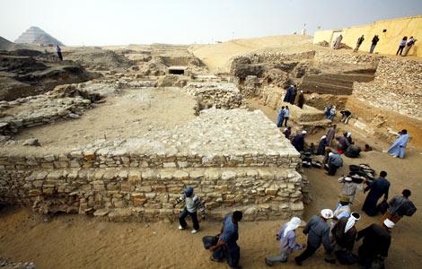 Nuova Piramide nel Cairo